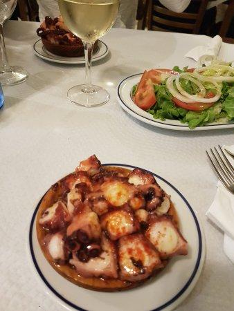Restaurante raxeria san marcos en santiago de compostela for Cocinas santiago de compostela