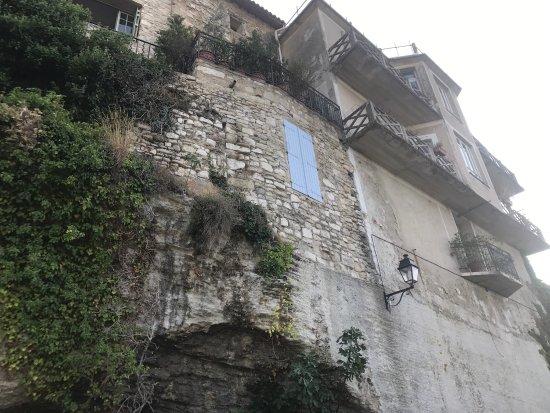 Venasque, Francia: photo1.jpg