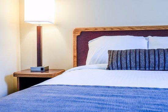 Creston Hotel: Deluxe Queen Room
