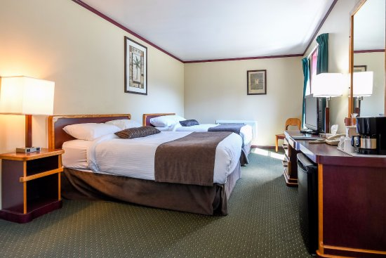 Creston Hotel: 2 Double Beds