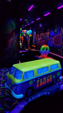 Rock of Ages Black light Mini Golf