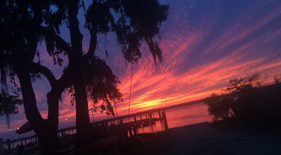 Daufuskie Island, SC: amazing sunset view from the restaurant