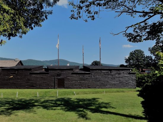 The Fort William Henry Museum & Restoration: Fort William Henry
