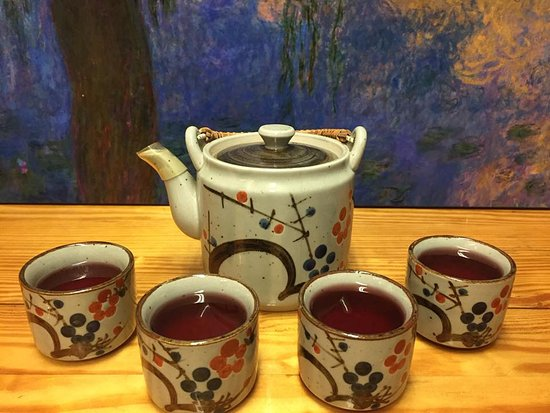 Alliance, OH: Hot tea delivered right to your table!