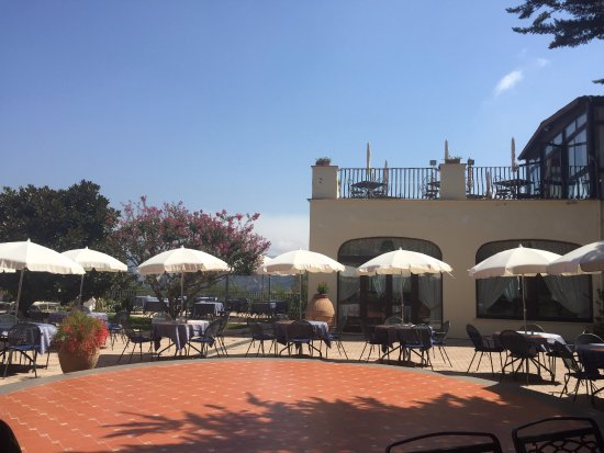 Grand Hotel Hermitage & Villa Romita: View from the Pool Bar
