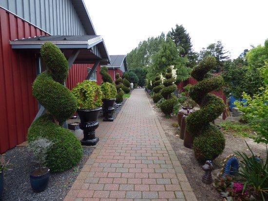 Gerlev Kro: Havegang ved værelsesbygningerne