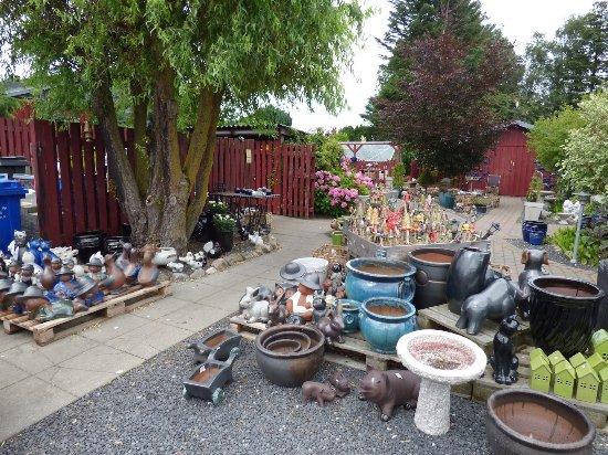 Jaegerspris, Denmark: Salgsafdelingen i haven