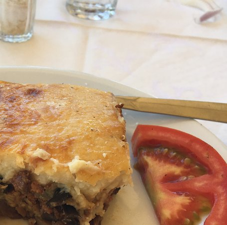 Pyrgos, Yunanistan: Beautiful home cooked food!
