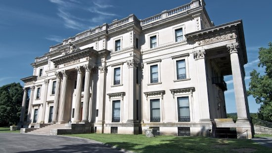 Holiday Inn Express Poughkeepsie: Check out Vanderbilt Mansion located in Hyde Park,NY only miles down the road