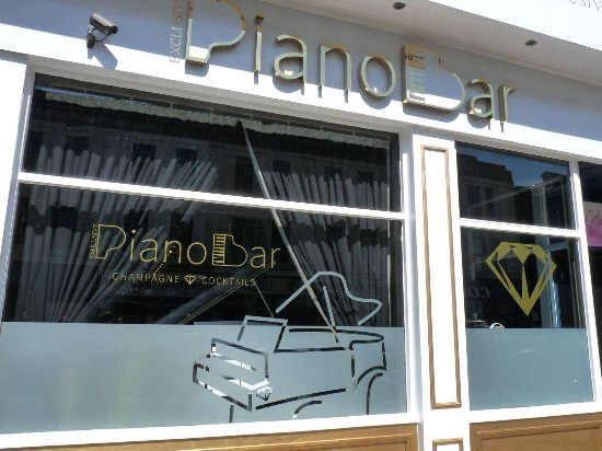 Exclusive Piano Bar