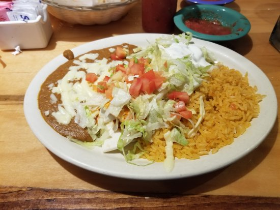 Agave mexican grill mexican restaurant 851 s garfield for Agave mexican cuisine