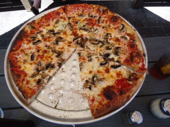 Park Plaza Liquor and Deli: Fresh not canned Mushroom Woodfired Pizza