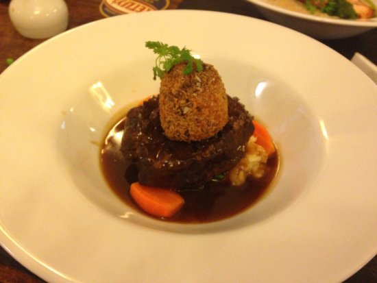 Long Preston, UK: Slow cooked beef perfection!