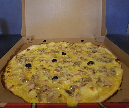Saint-Restitut, France: Petit Paul Pizza