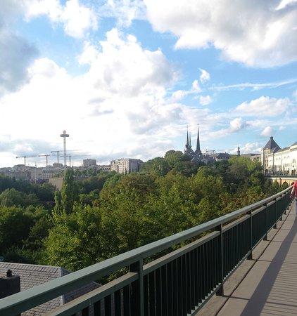 Viaduc (Passerelle): a metà ponte verso la città vecchia