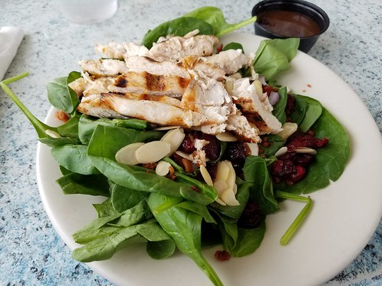 Conch Cafe: Grilled chicken salad. It was delicious!