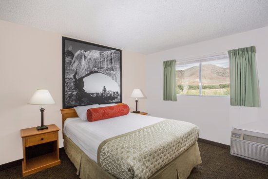 Salina, UT: Family Suite Bedroom