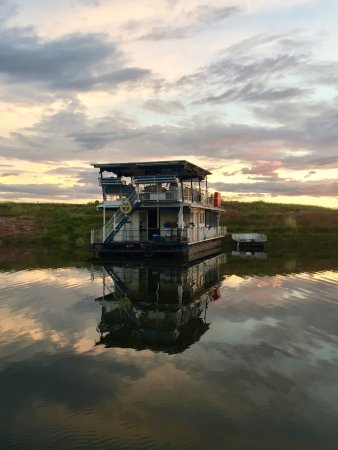Kariba, Zimbabue: Sun rise