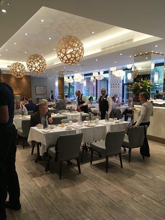 Bedford Hotel: Lovely breakfast room