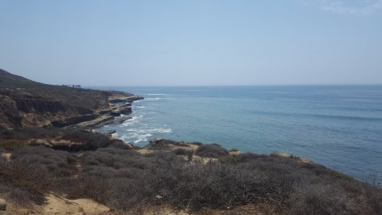 Point Loma: lookout from parking