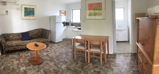 The Palms At Palm Cove: 1BR Standard