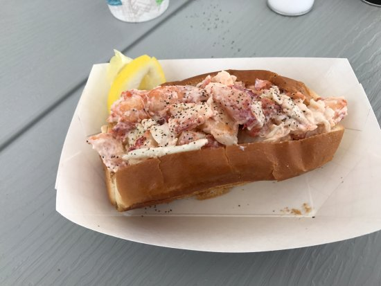 Bremen, ME: Lobster Roll Exquisite