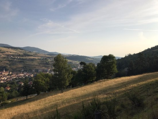 Satillieu, Francja: On early morning run around 2 km from hotel.