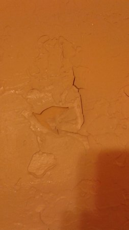 South Fork, CO: Texture coming off the walls