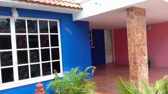 Yucatan, Mexico: Eingangsbereich auf der Calle 17 A 101 D