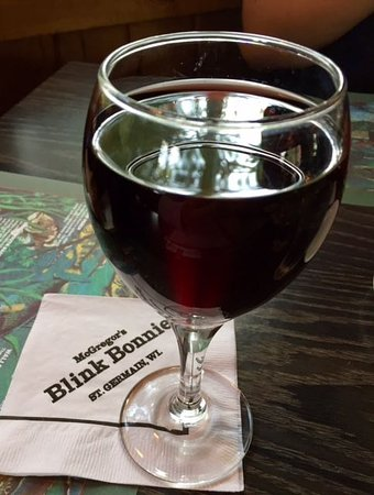 Saint Germain, WI: Nice glass of wine.