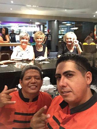 Hard Rock Hotel Cancun: Great bartenders