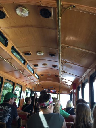 Egg Harbor, WI: Trolley bus in motion!
