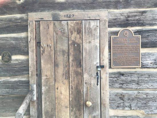 Historic Ogle Log Cabin : Marker on the cabin