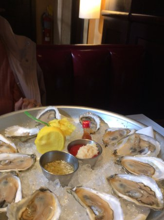 Parkers' Restaurant & Bar: A buck a shuck. Delicious