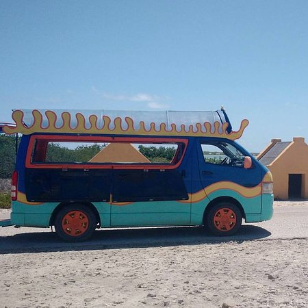 Kralendijk, Bonaire: This van will take you around the island.