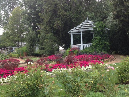 Mansfield, OH: A gazebo just north of the rose garden