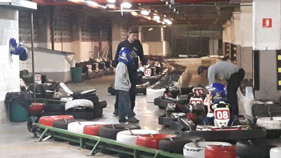 Kart Indoor Speed Hunters