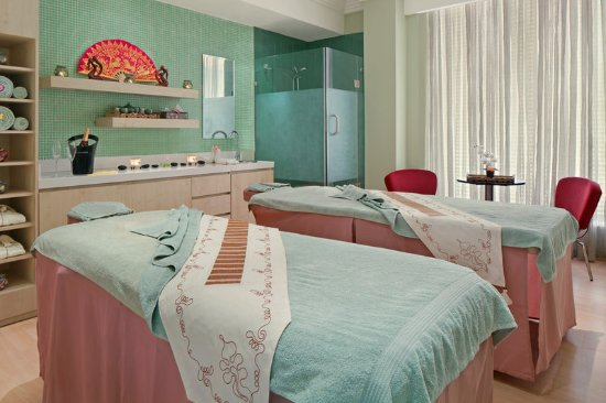 Four Points by Sheraton Lagos: Couples Treatment Room