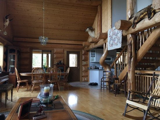 Copper Center, AK: Sawinglogzz Bed and Breakfast update