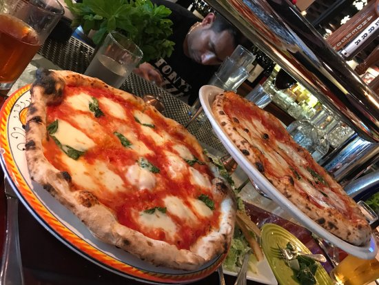 Tony's Pizza Napoletana: photo3.jpg