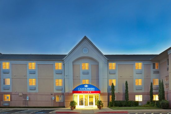 Candlewood Suites Dallas-By the Galleria: Hotel Exterior
