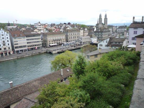 Lindenhofplatz: Lindenhof view
