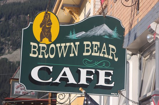 Brown Bear Cafe: Sign outside the restaurant