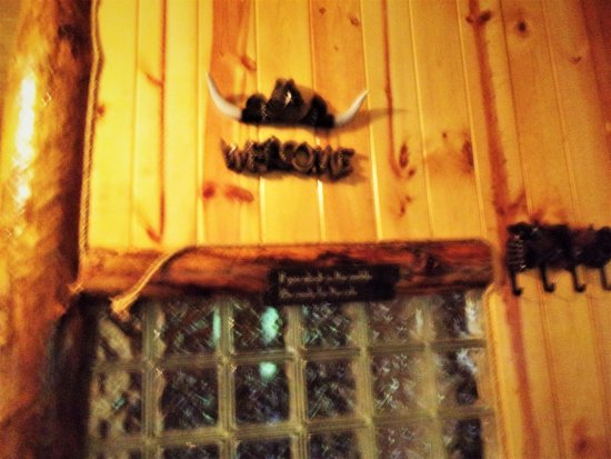 Νότιο Bloomingville, Οχάιο: Part of the western theme of whiskey cabin.