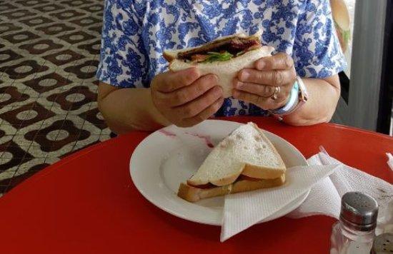 Babinda, Австралия: Steak Sandwich Loaded with veggies