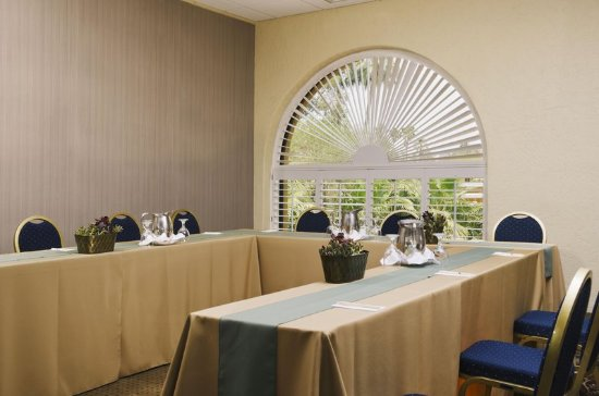 Doubletree by Hilton Tucson - Reid Park: Basswood Meeting Room