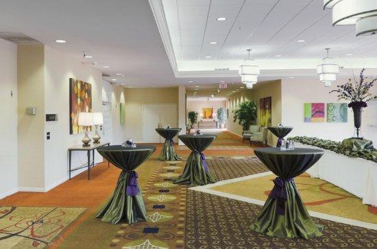 Doubletree by Hilton Tucson - Reid Park: Pre-Function Foyer