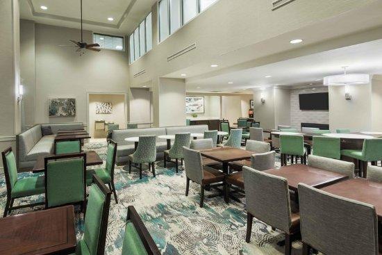 Homewood Suites Tampa Airport - Westshore: Dining Area