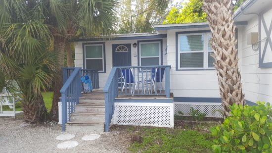 Tropical Winds Motel & Cottages: Cottage 3