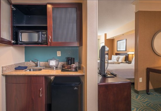 Bel Air, Мэриленд: Double\Double Executive Suite - Kitchenette
